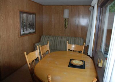 Pine Point Lodge Cabin 12 LR